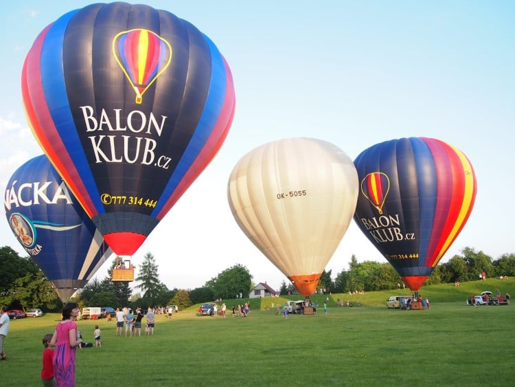 Mass start of hot air balloons